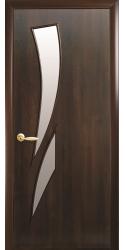 Интериорна врата Модел Камея Кестен. Моделът включва: крило, каса, 2 комплекта раздвижни первази, брава, 3 бр. панти тип