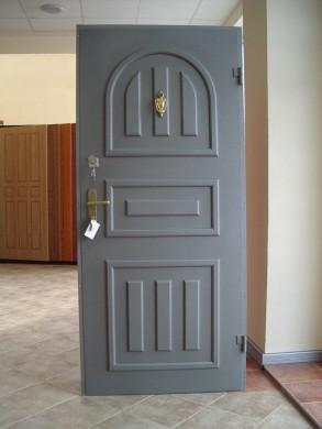 Метална врата Модел 9 - оферта при запитване